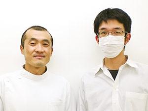 小松市で頭痛の施術をうけた34歳男性と先生の2ショット写真