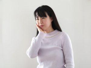 ワイズ整体院の顎関節に悩む女性画像